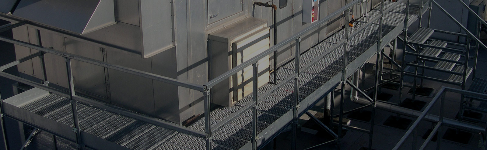 Equipment platform header